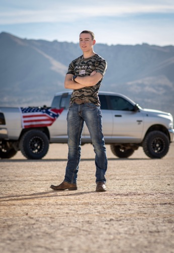 Senior portraits photoshoot Lucerne Valley California with Jake Shoots People