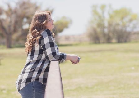 Mojave Narrows Park Family senior photoshoot Victorville California with Jake Shoots People