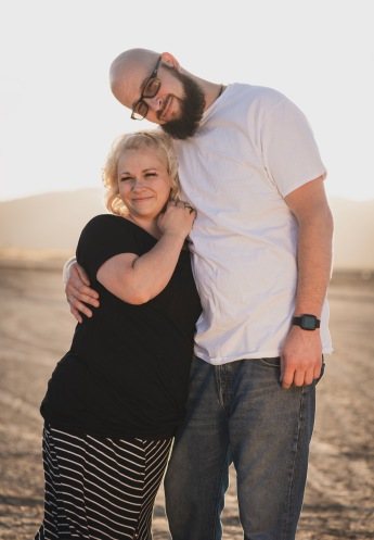 Family photoshoot Lucerne Valley California with Jake Shoots People